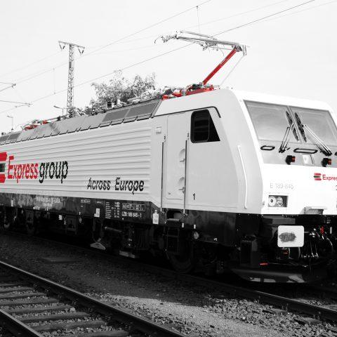 Rušeň Siemens 189.845
